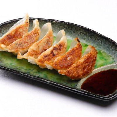 【萬里 大手町】で味わえる特製餃子